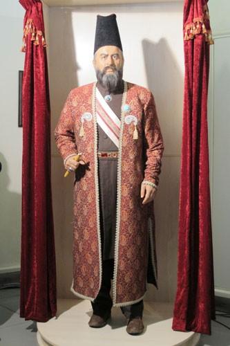 تندیس امیرکبیر در تالار مشاهیر برج میلاد